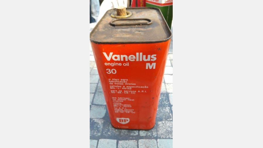Vintage Rare BP British Petroleum 3 Litre Vanellus Motor Oil Can Tin advertising